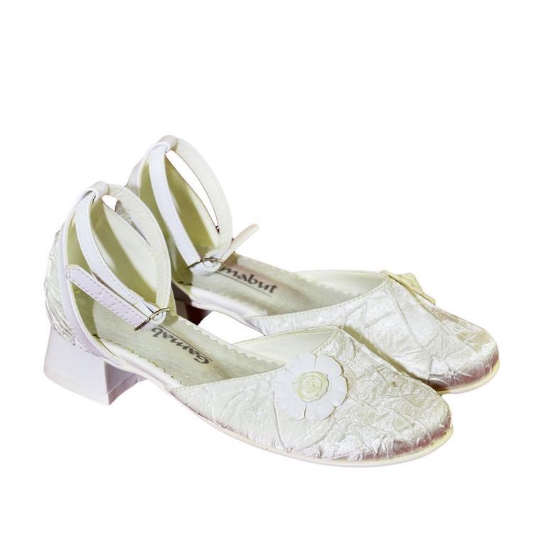 9e7a348deef9 Detské biele spoločenské topánky ALANIA