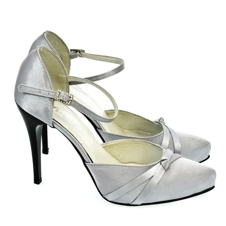 726c2c4e6986 Dámske strieborné sandále PEBLINII P70