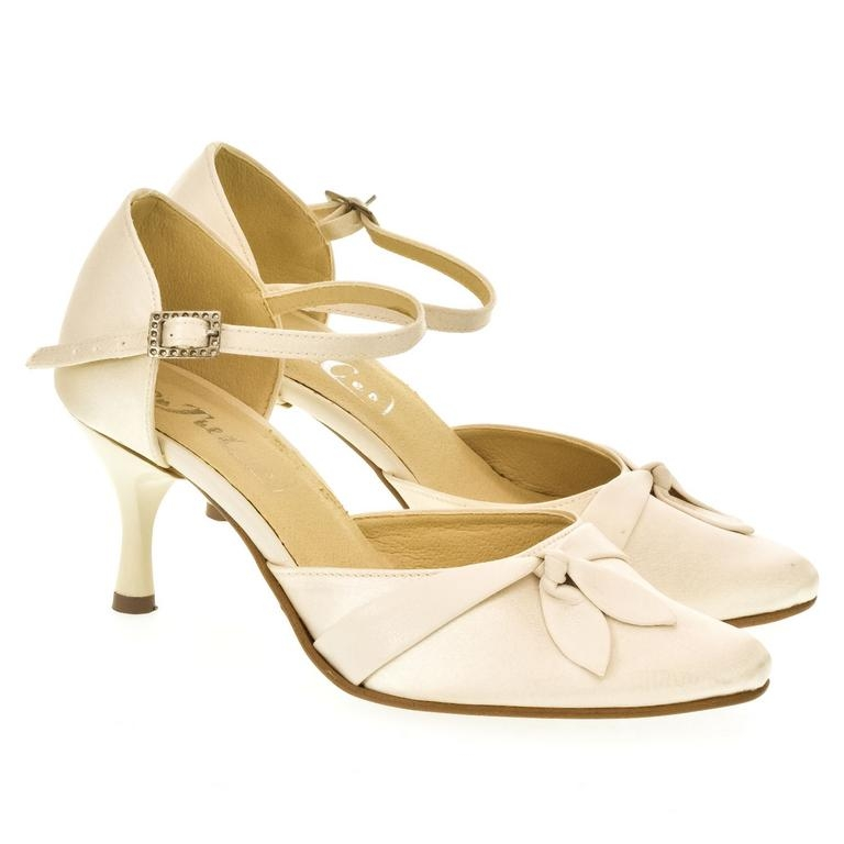 Dámske béžové sandále MARON a6f1bac7917