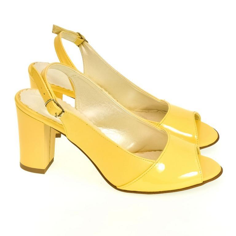 961d4dda9636 Dámske žlté sandále SAINA