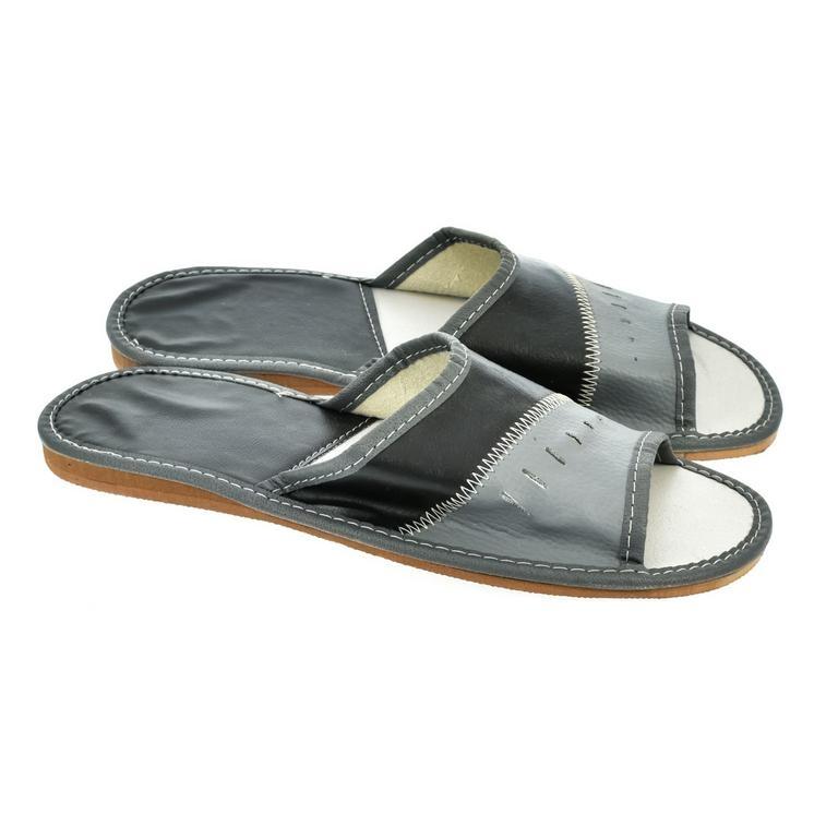 2dd53fbe69 Pánske papuče čierno-sivej farby APOLINAR