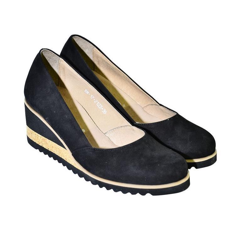 e594cbaf79 Kožené čierne topánky na vysokom opätku Karino