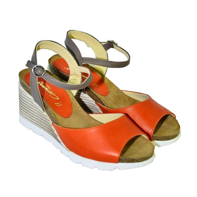 4cf6c4ba1152 Oranžové kožené sandále na klinovom opätku Carsona TARA