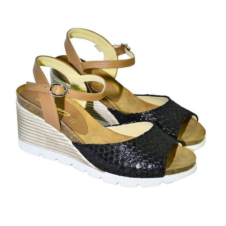 134771240ffa Čierno-hnedé kožené sandále na klinovom opätku Carsona TARA