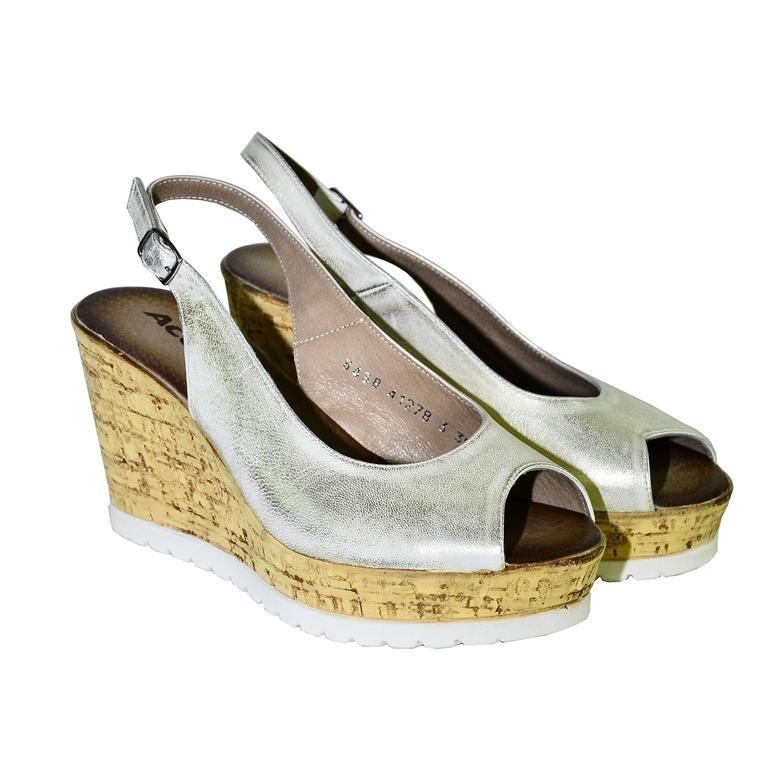cbebd755b0d8 Dámske letné zlaté sandále NETANA
