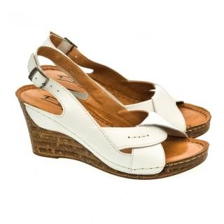 cc10d9767fd1 Dámske biele sandále MALI