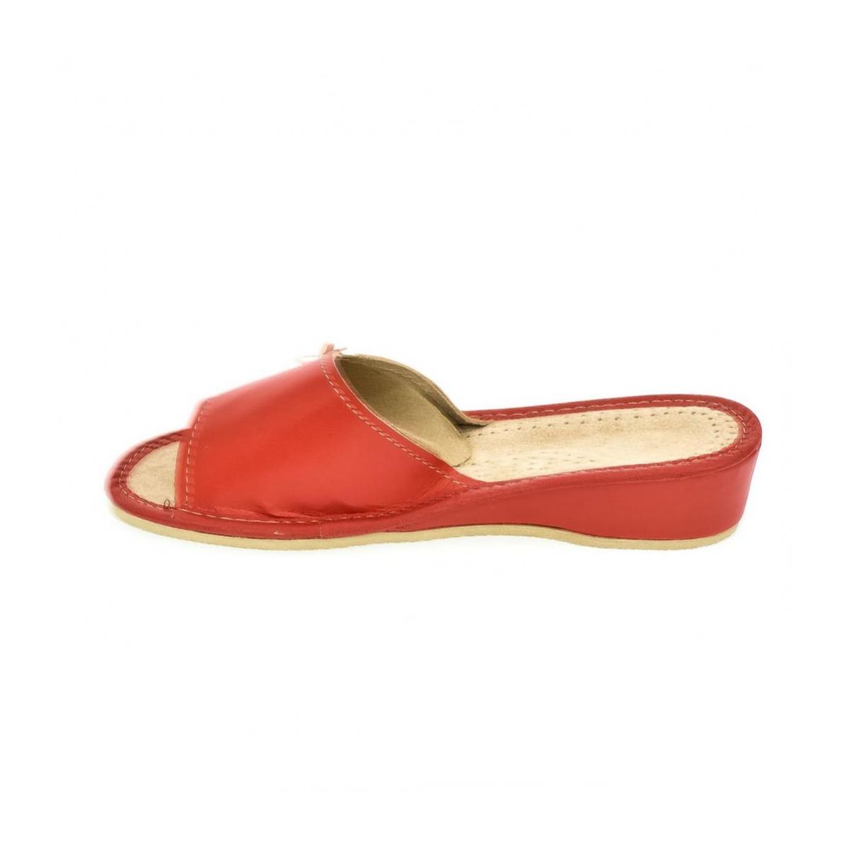 a9a9d3c8bf4c Dámske červené papuče Zita - 5