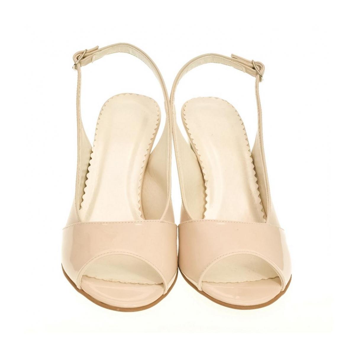 aaf8cfe574f1 Dámske bežové sandále SAINA - 2