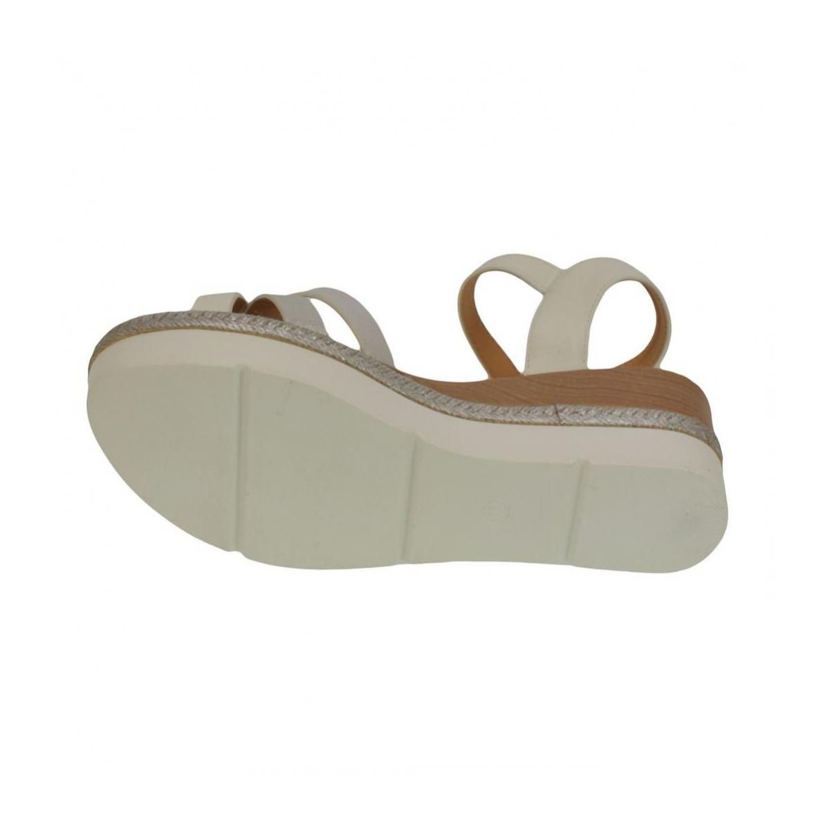 294bc48e319a Dámske biele sandále RILLA - 3