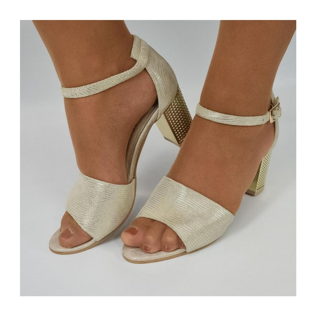 5532bbbd438d Dámske zlaté sandále ENNA - 7