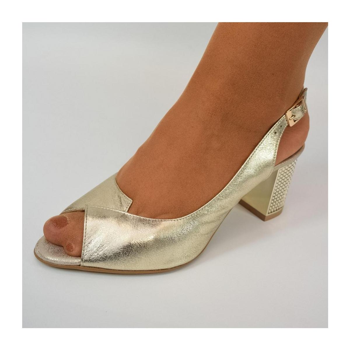 ba9622f72245 Dámske zlaté sandále JOLANA - 6