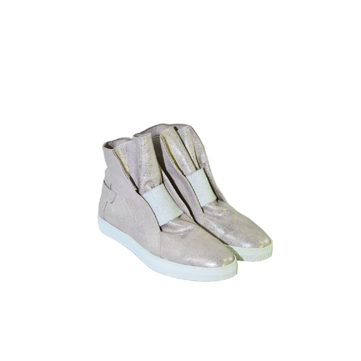 f66d4a5764 Ružové uzatvorené topánky bez opätku s bielym detailom EMA - 2