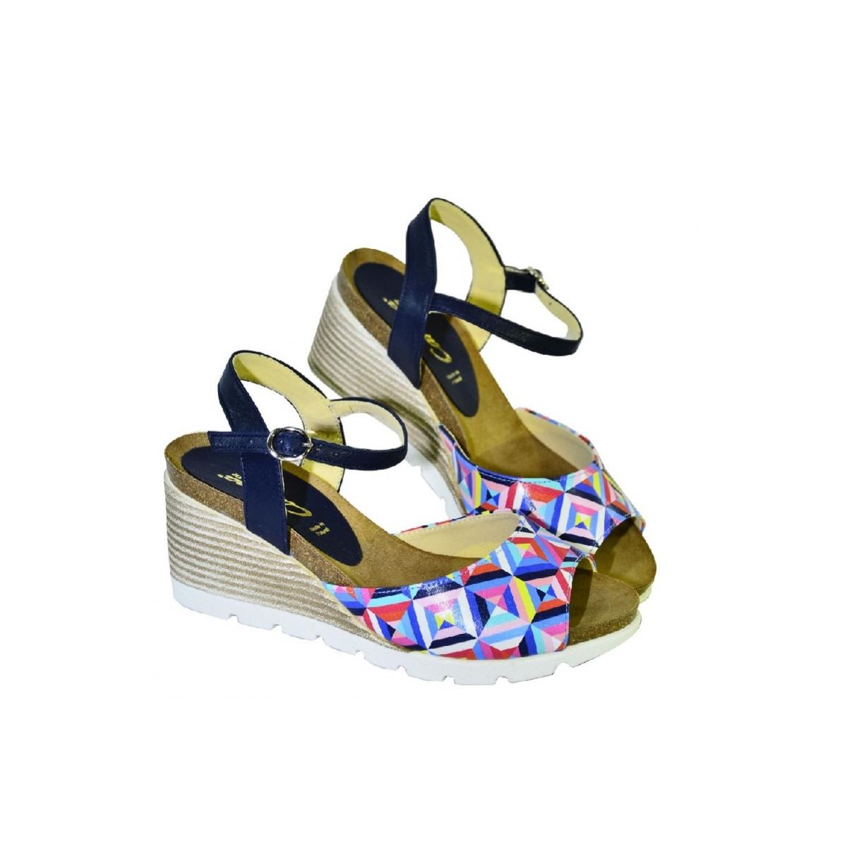 6215a53fb0c7 Farebné kožené sandále na klinovom opätku Carsona TARA - 3