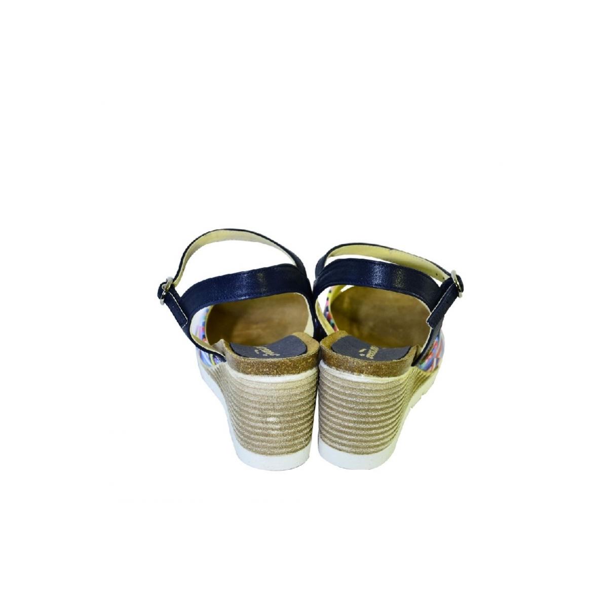 b4019fd1bae5 Farebné kožené sandále na klinovom opätku Carsona TARA - 5
