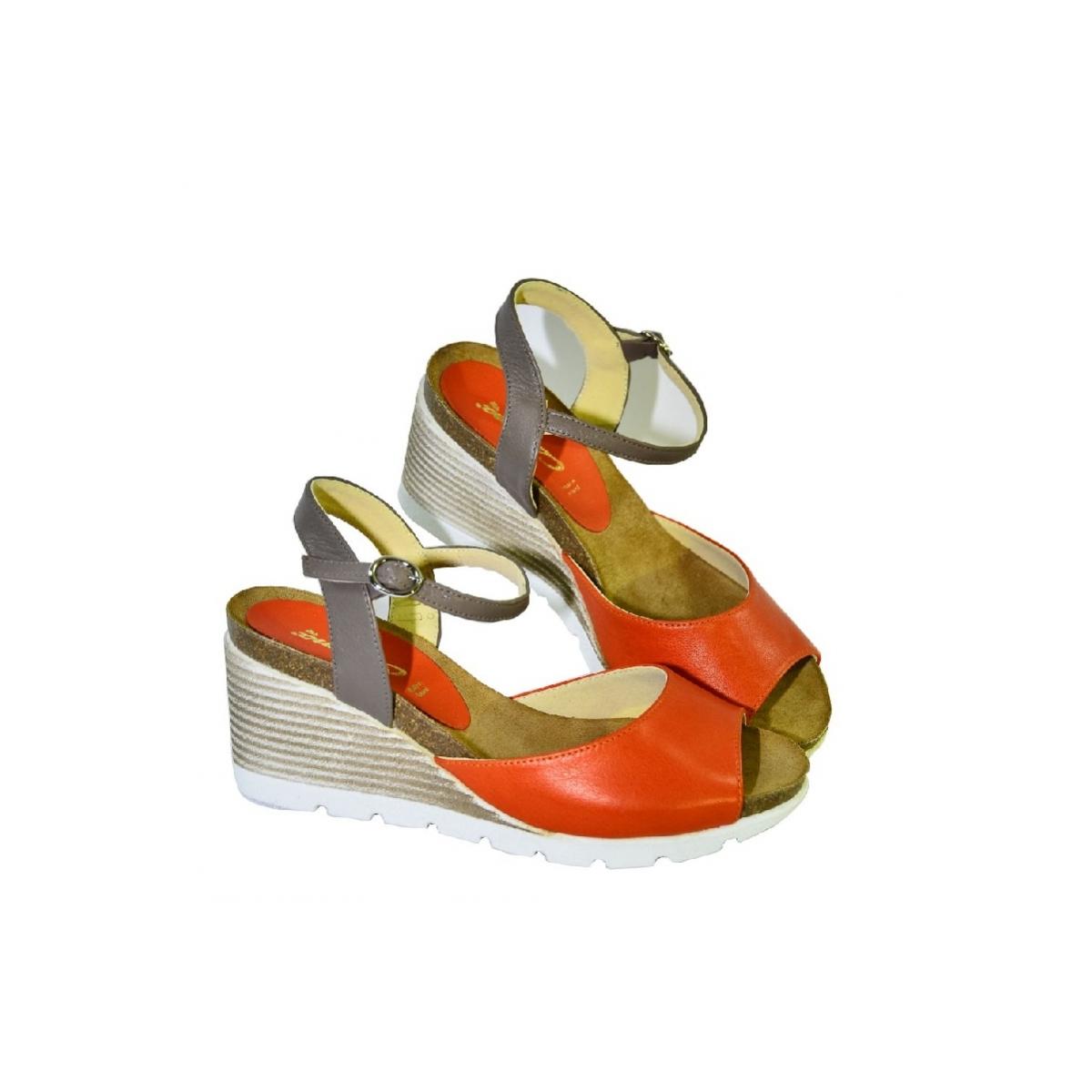 d7c8e27d01fa Oranžové kožené sandále na klinovom opätku Carsona TARA - 3