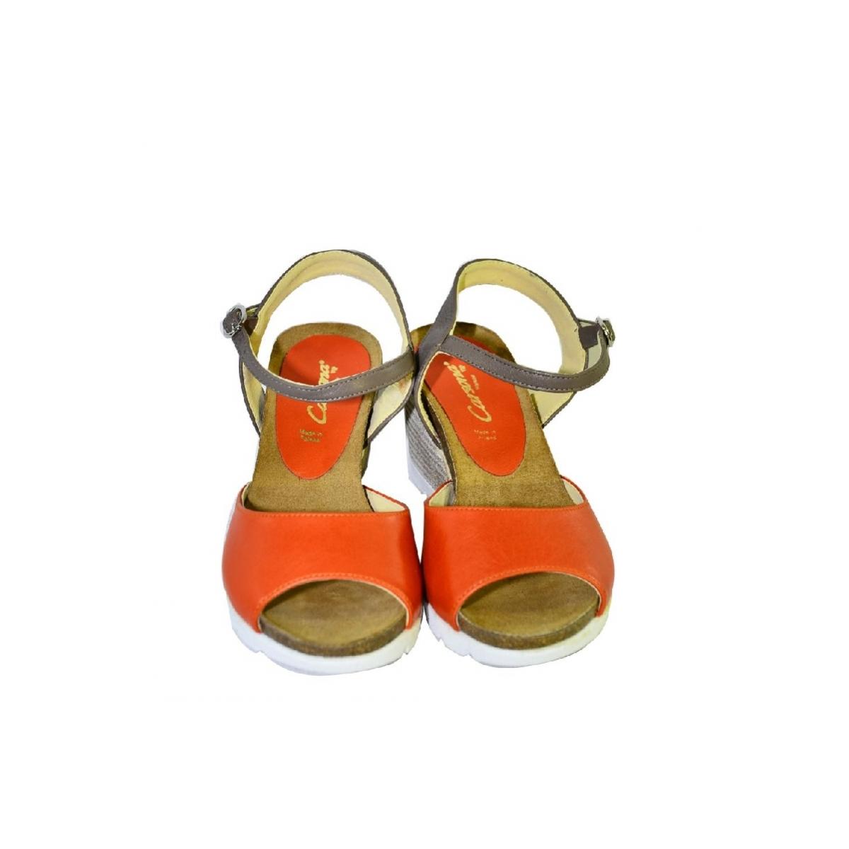 e18bd9ba4836 Oranžové kožené sandále na klinovom opätku Carsona TARA - 4