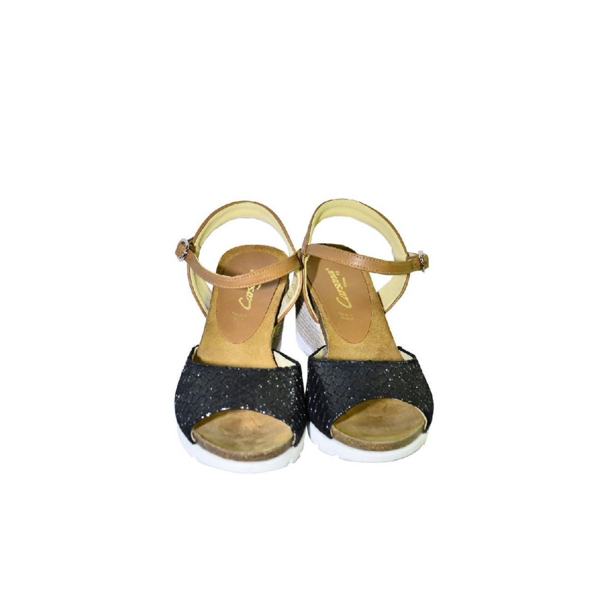 746cd4a98f31 Čierno-hnedé kožené sandále na klinovom opätku Carsona TARA - 4