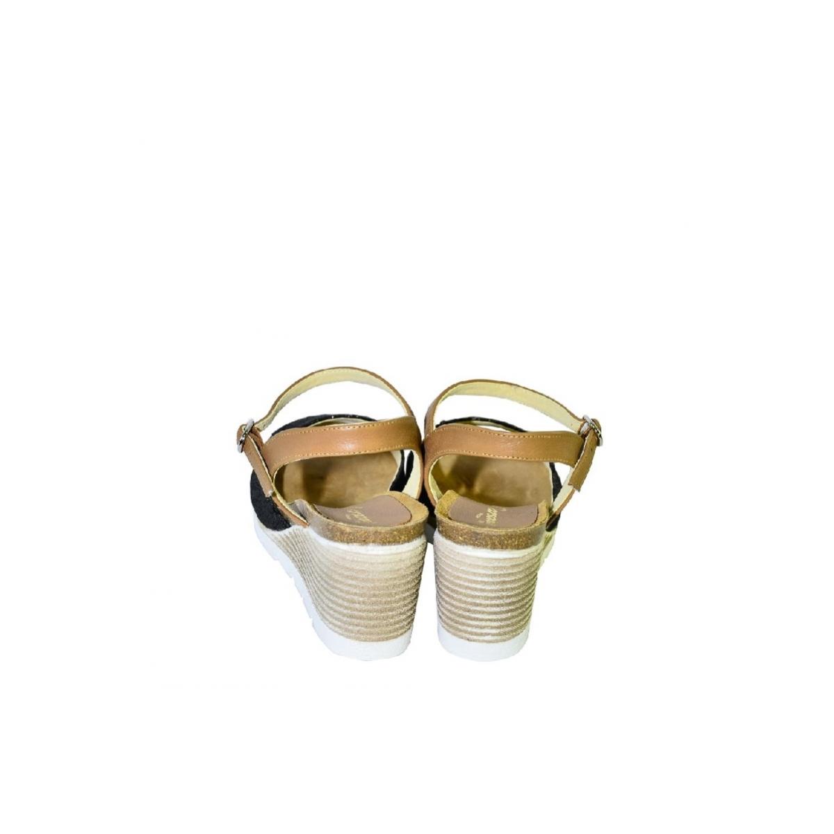 7dd884e811e1 Čierno-hnedé kožené sandále na klinovom opätku Carsona TARA - 5