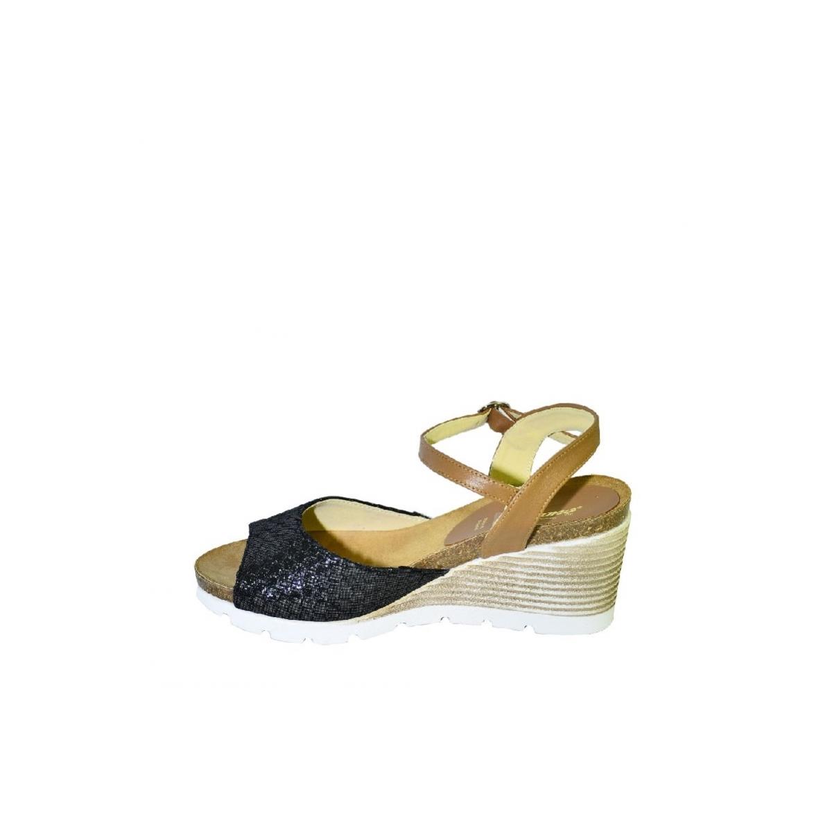3d230a89da88 Čierno-hnedé kožené sandále na klinovom opätku Carsona TARA - 6