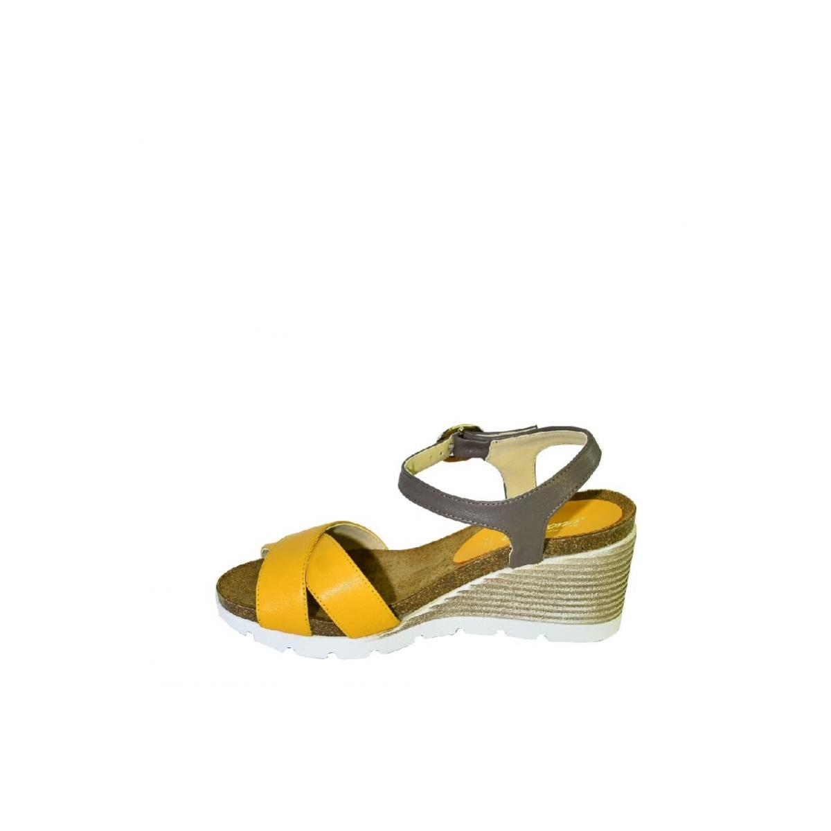 37bb4b7e80 Žlté kožené sandále na klinovom opätku Carsona LARA - 6