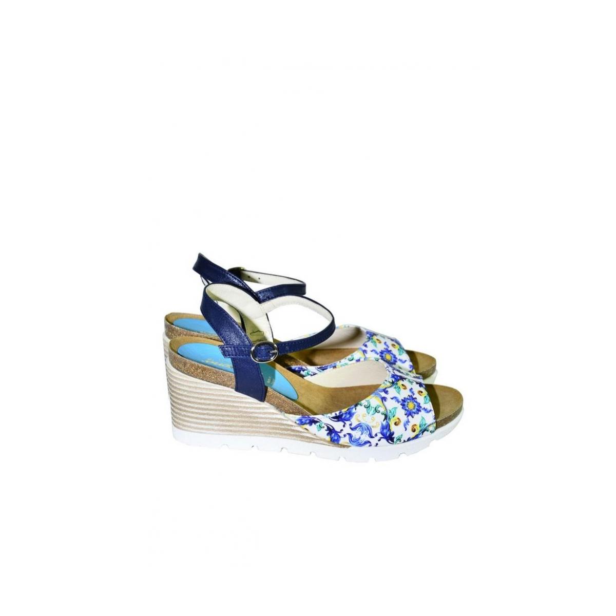 cd623add6525 Azúrovo-modré kožené sandále na klinovom opätku Carsona TARA - 3