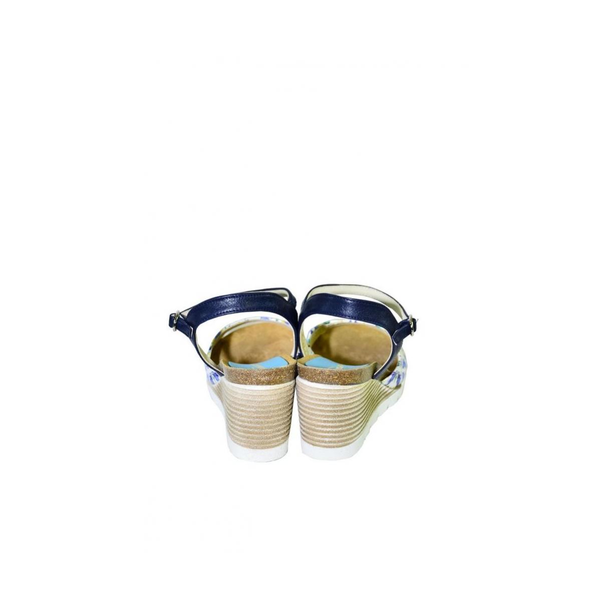 69c83a04cb50 Azúrovo-modré kožené sandále na klinovom opätku Carsona TARA - 5