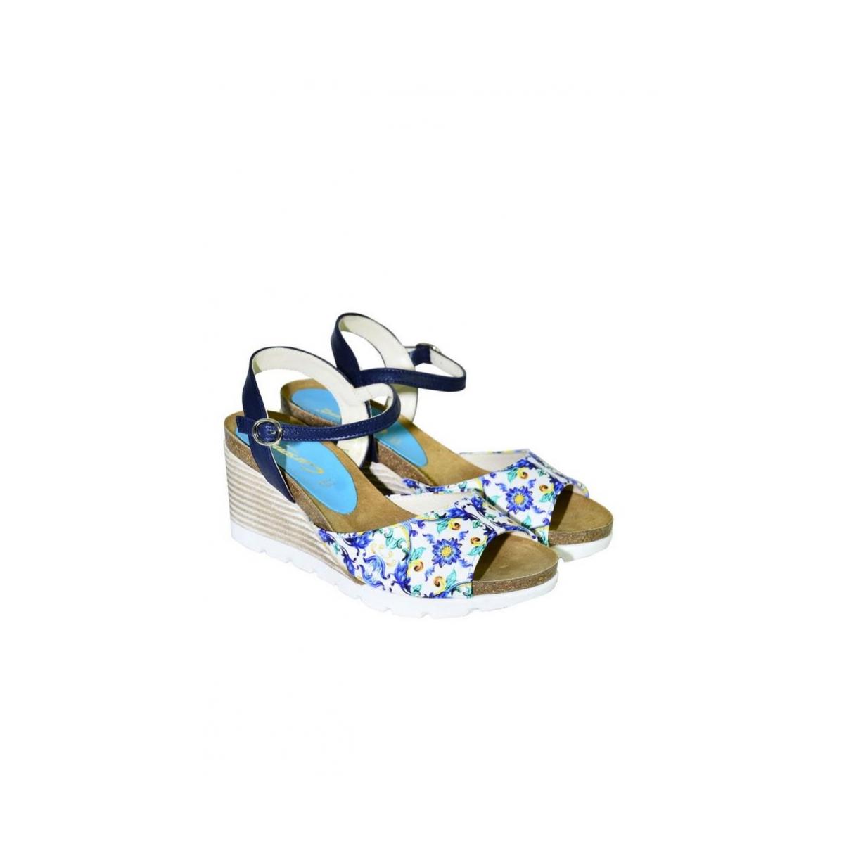 43d0fb208a40 Azúrovo-modré kožené sandále na klinovom opätku Carsona TARA - 2