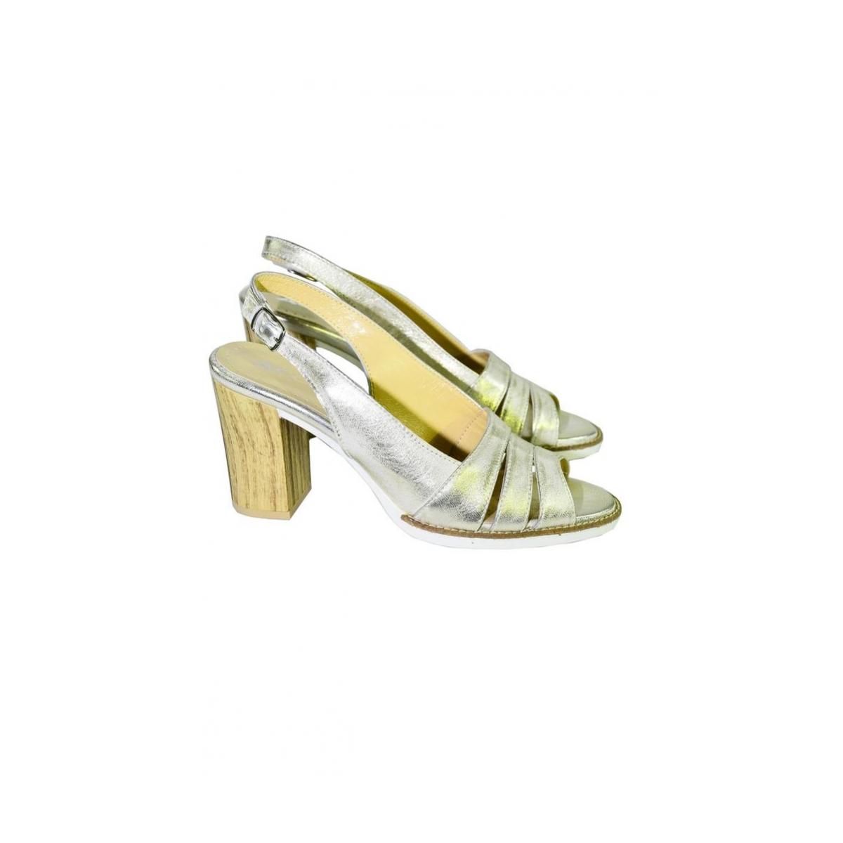 b00fd2ae0b5c Dámske letné zlaté sandále ARRIA - 3