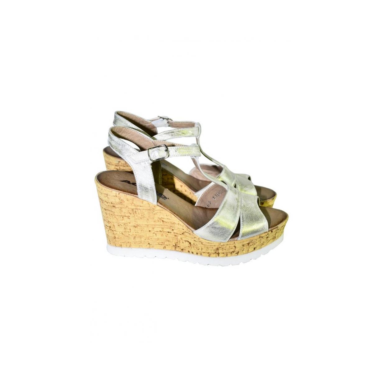ee633842bc87 Dámske zlaté letné sandále JENSE - 2