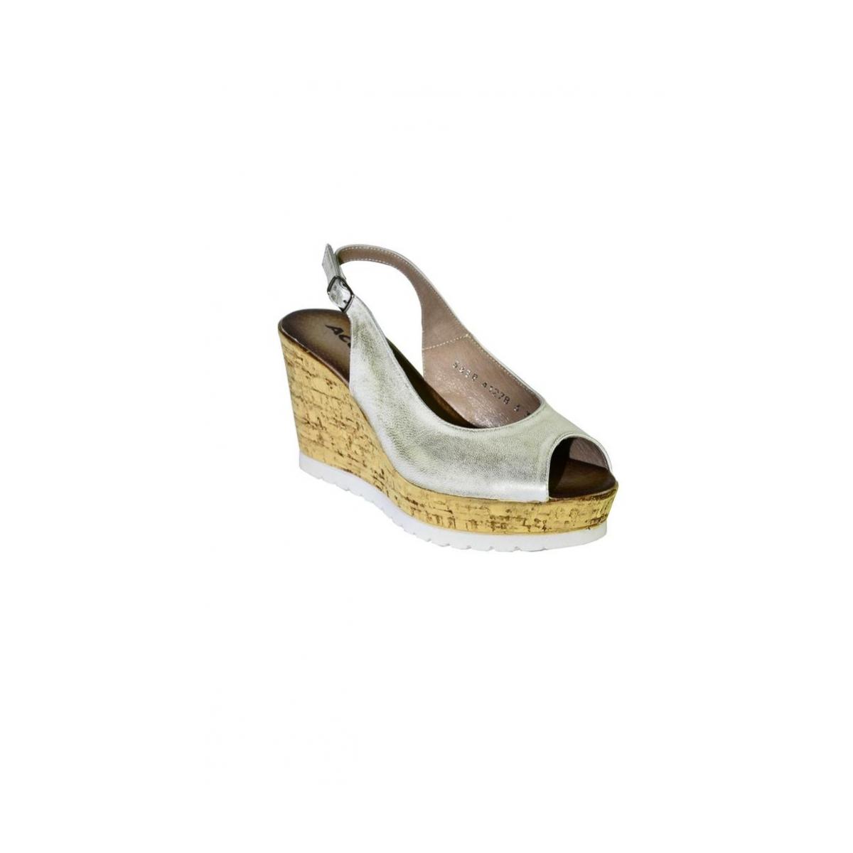 db77d9d8fae6 Dámske letné zlaté sandále NETANA - 6