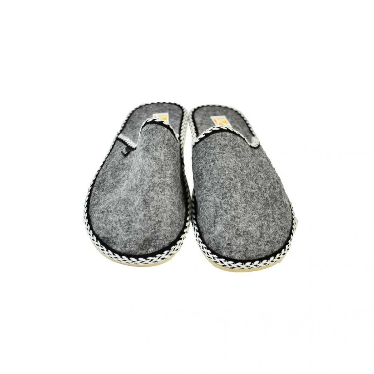 256cd9c5de0e Pánske sivé papuče TORIO - 2