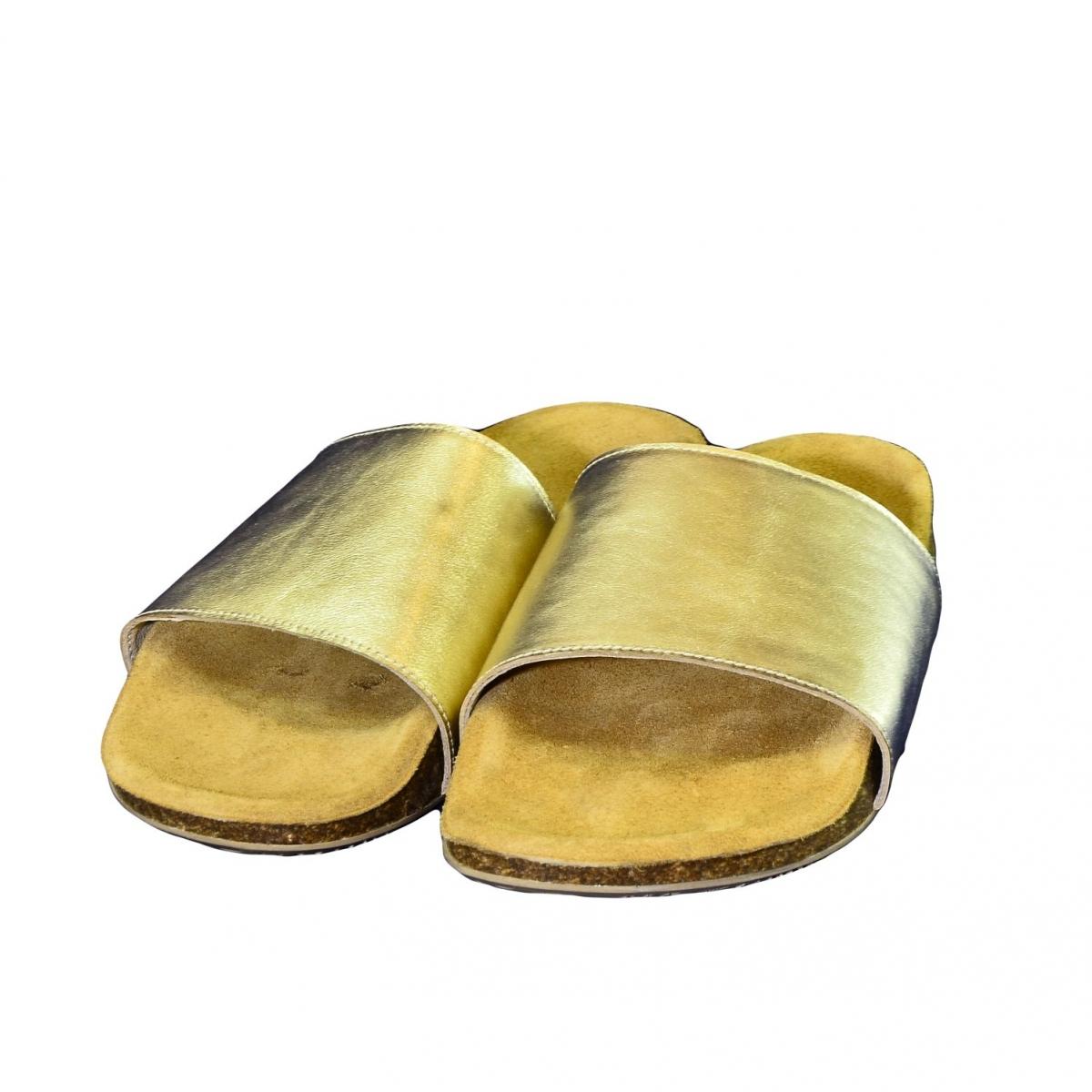 dc60a89b51e50 Dámske zlaté kožené šľapky ALBINIA - 3
