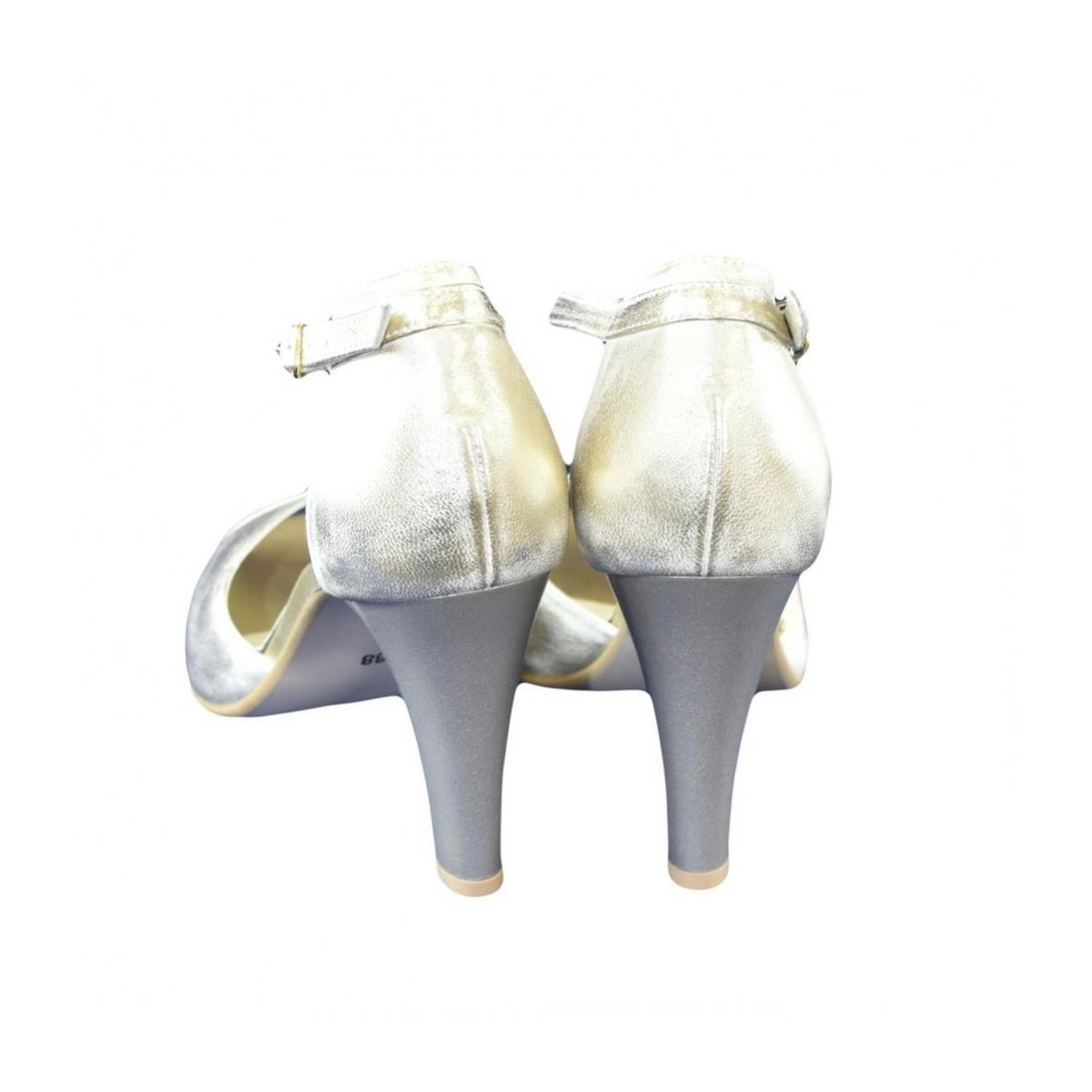 3d86dbc324e9 Dámske kožené zlaté sandále MADAS - 4
