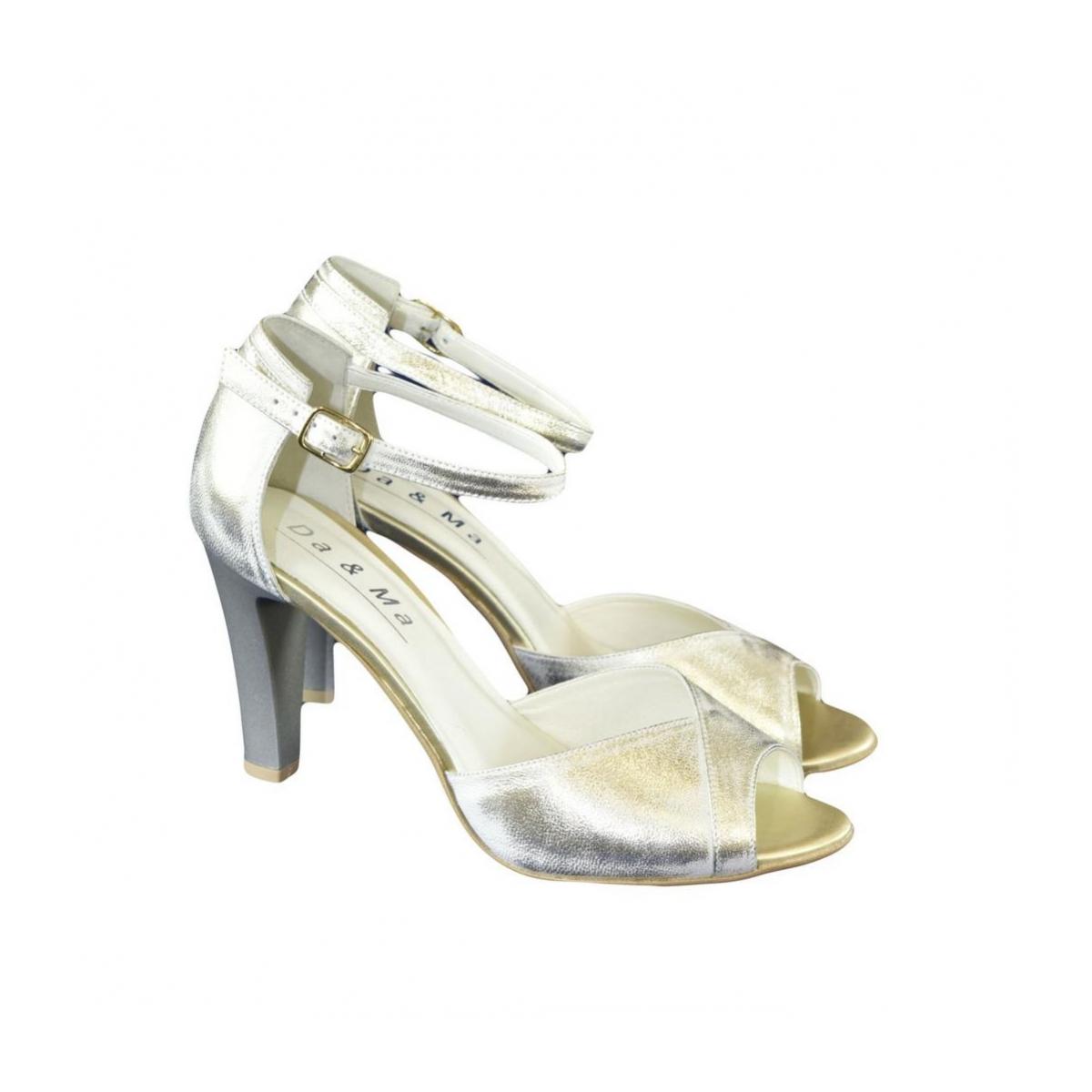 037f06530ea6 Dámske kožené zlaté sandále MADAS - 7