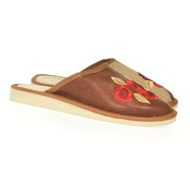 Dámske hnedé kožené papuče VLASTA