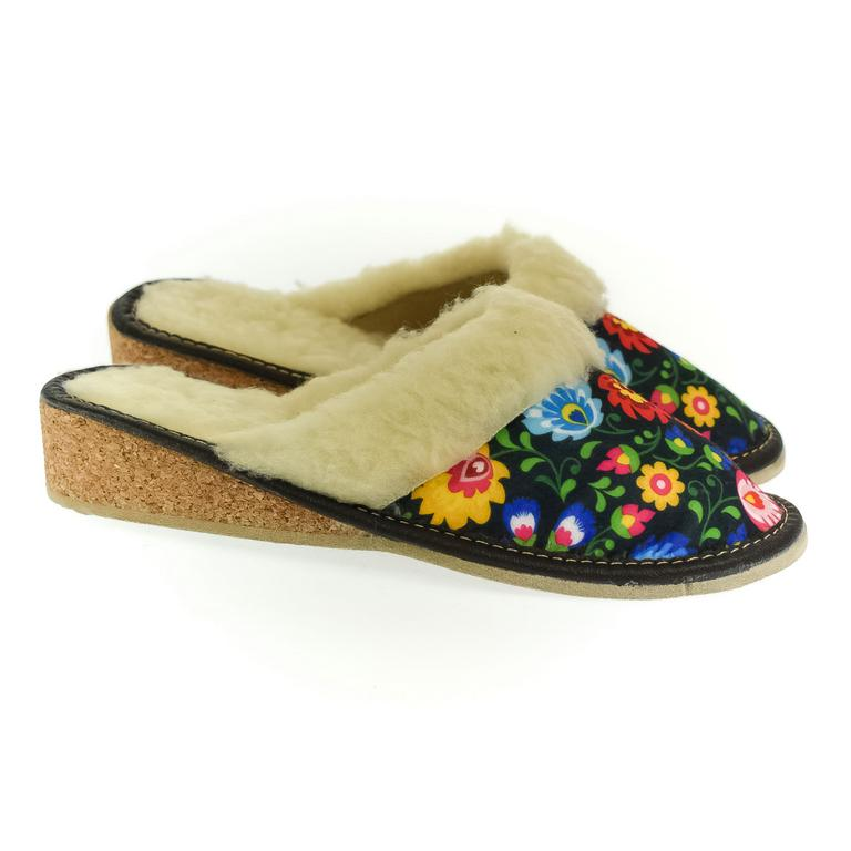 Dámske kvietkované papuče ROMANA